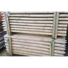 Geimpregneerde houten palen